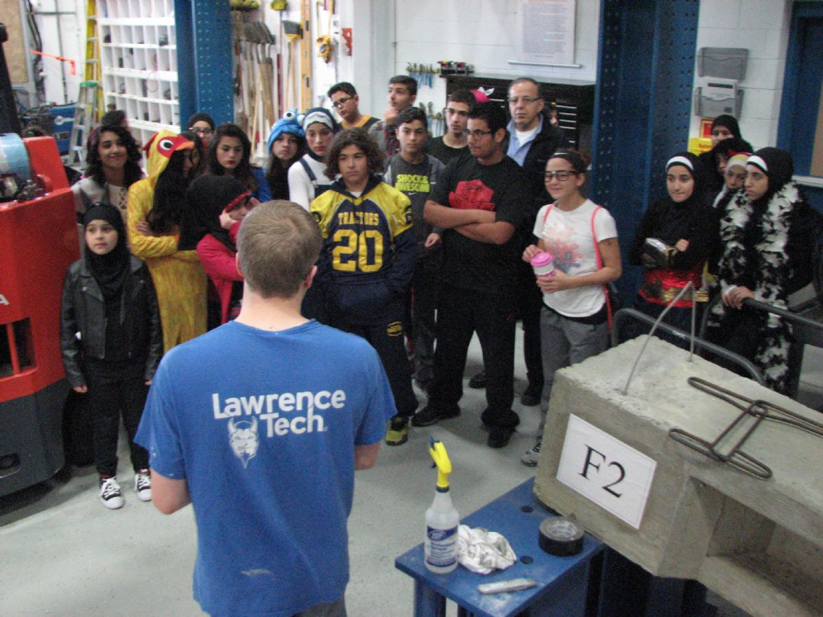 Lowrey Middle School students in the LTU Civil Engineering Lab