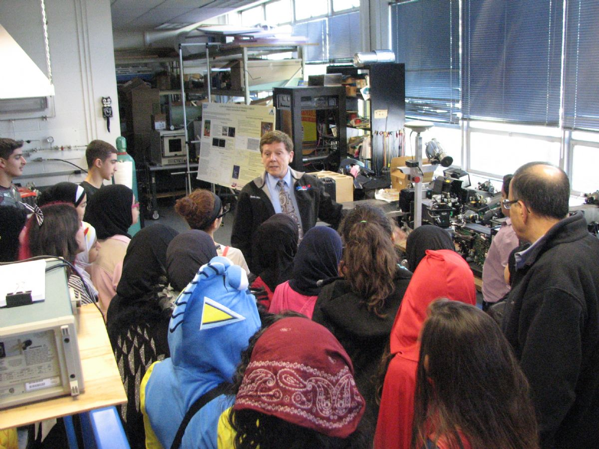 Dr. Robert Fletcher talks to Lawrey students about his Alternative Energy Lab in the Engineering building