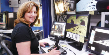 Alumna Hodges goes on virtual voyage for NASA