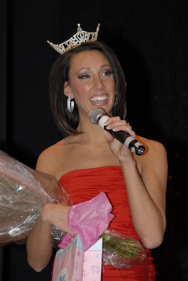 Miss Lawrence Tech 2010, Jenelle Sekol, announces awards