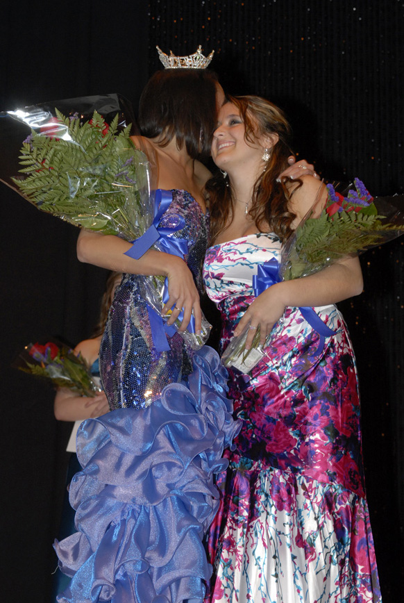 Eva Koleva receiving second runner up