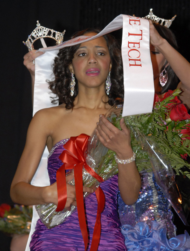 Jasmine Jones receiving the sash for Miss Lawrence Tech 2011