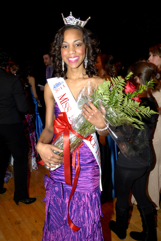 Jasmine Jones, Miss Lawrence Tech 2011, with her flowers and newly awrded crown and sash