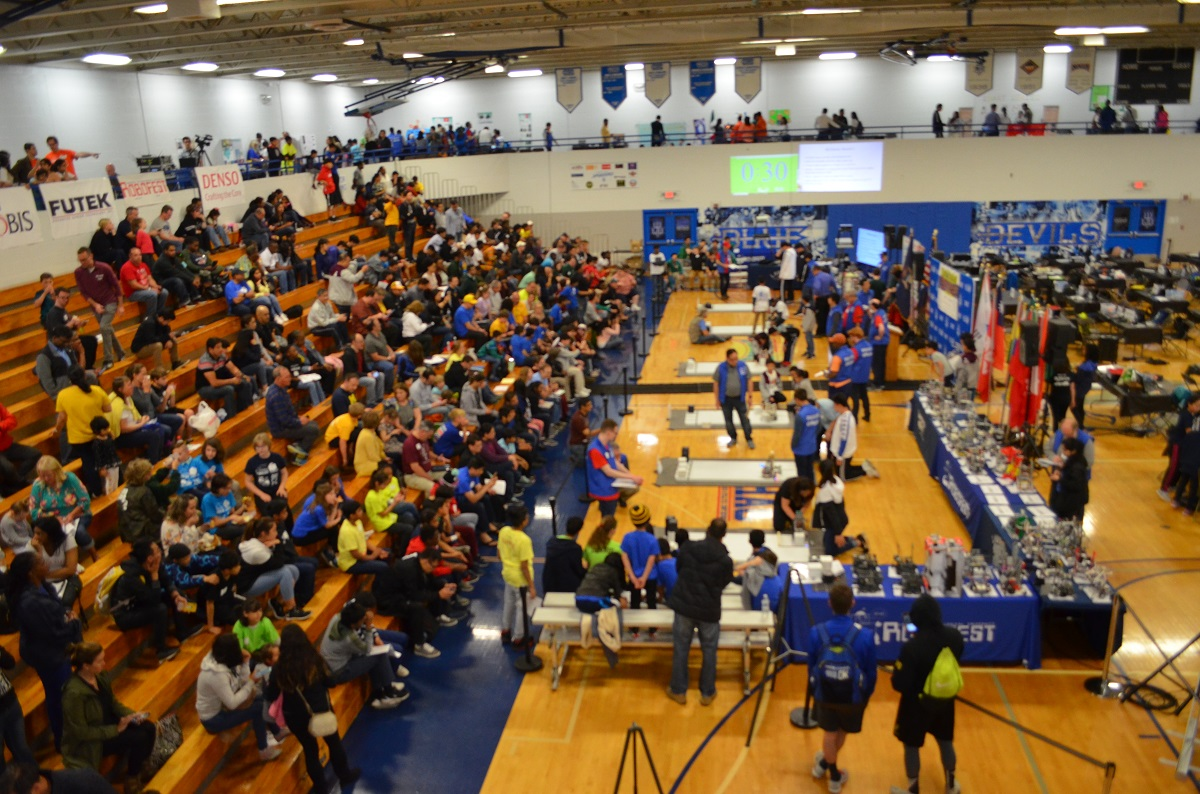six teams at a time vie for Robofest championship