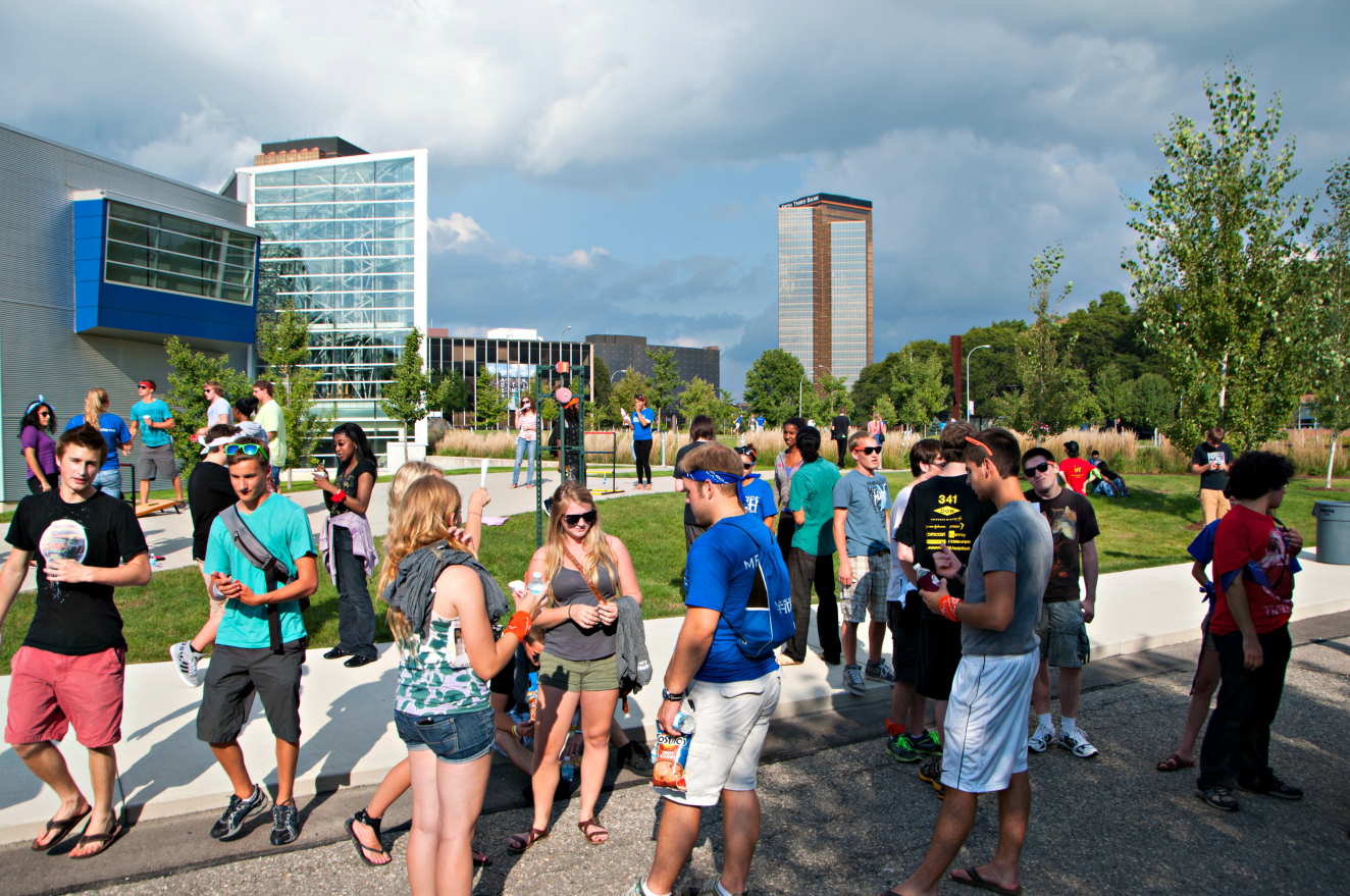 Discovery-Days-2012-Crowd.jpg