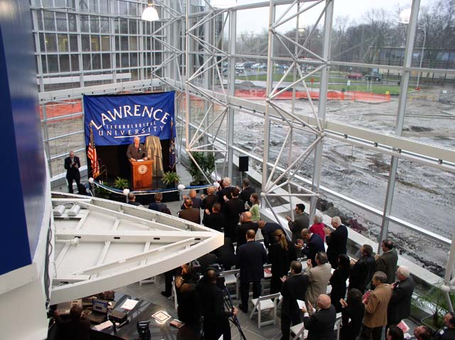 Taubman Dedication: A Alfred Taubman addressing the media
